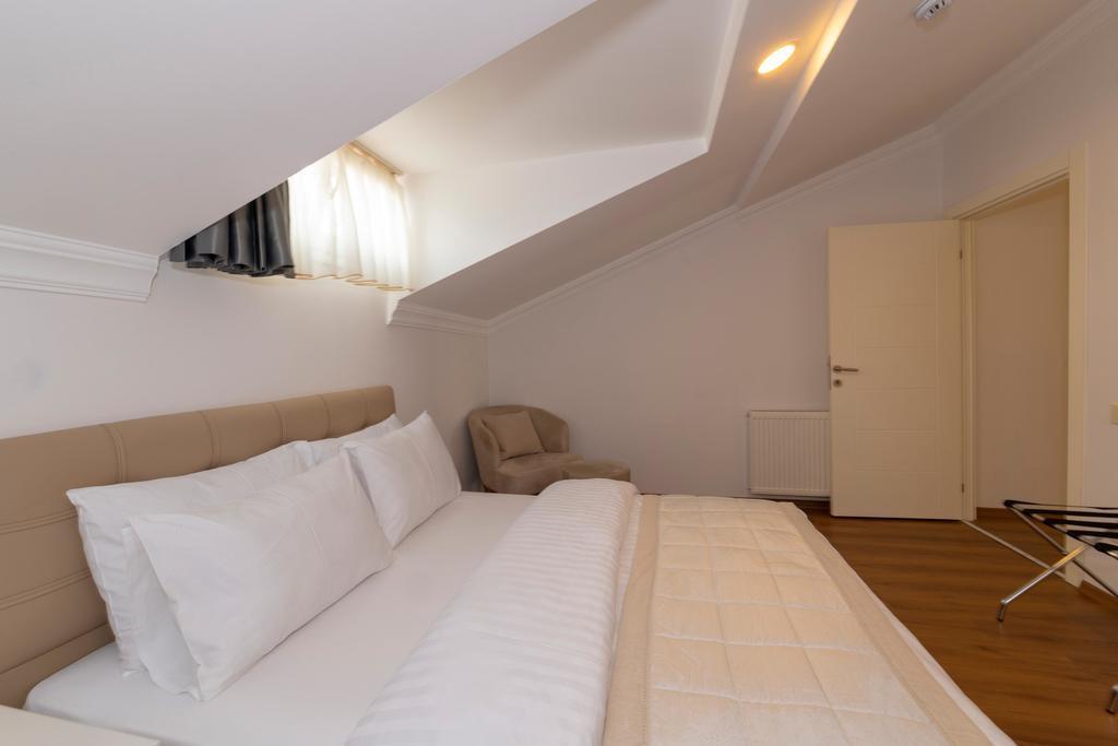 Terrace Suite 6