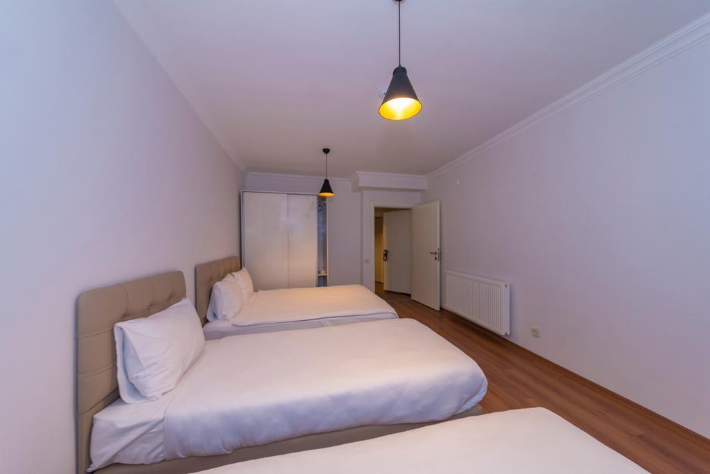 Family Suite - Basement Floor 8