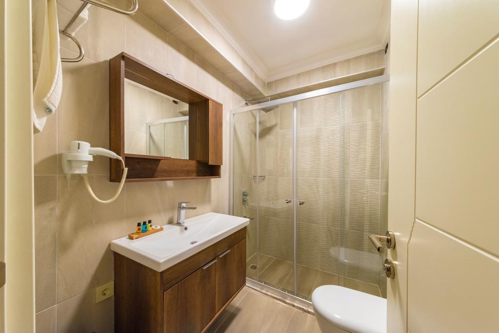 Family Suite - Basement Floor 7
