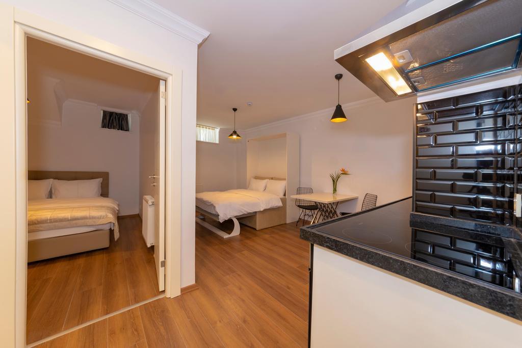 Suite - Basement Floor 4