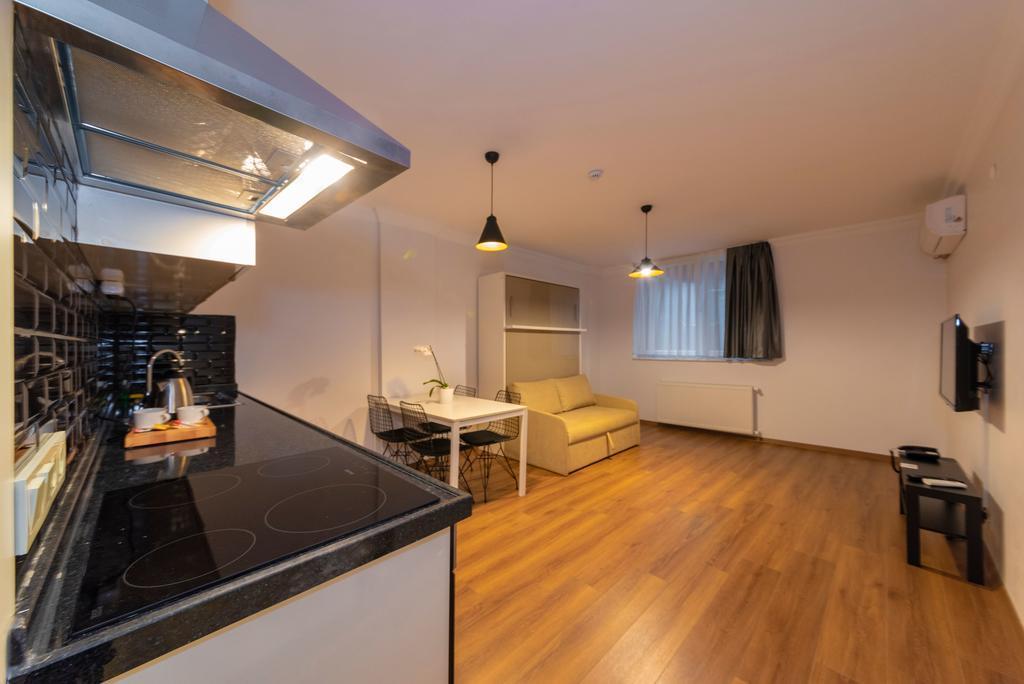 Family Suite - Basement Floor 5