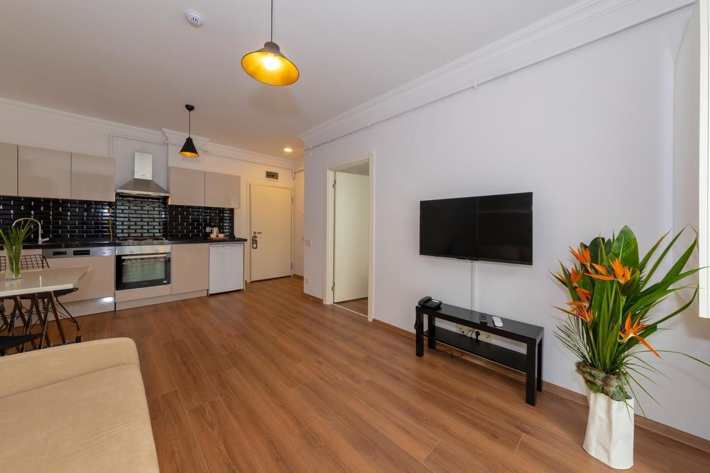 Terrace Suite 3