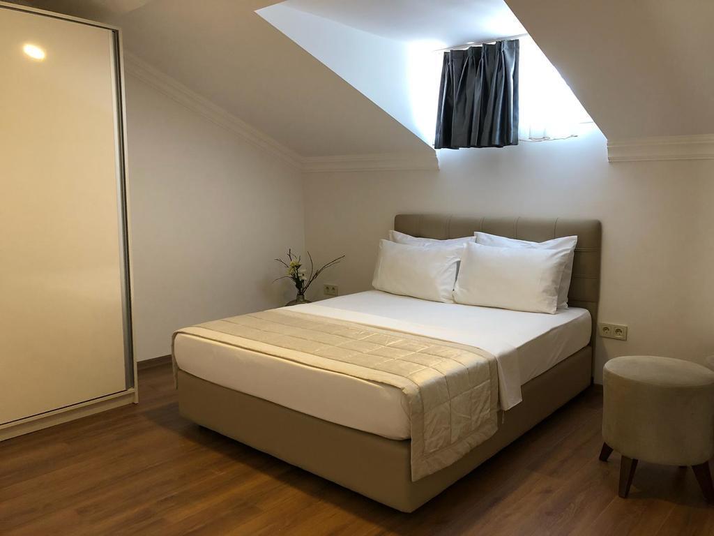 Terrace Suite 5