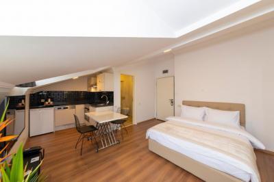 Terrace Room 1